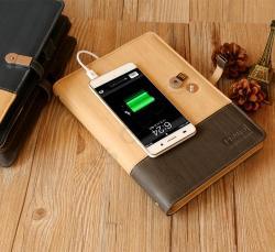 Ежедневник с зарядным устройством и флешкой